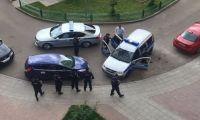 Навального задержали в подъезде его дома